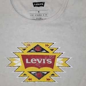 COPY - Levis long sleeve graphic tee